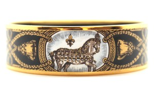 Hermès Wide enamel plated Gold hardware bangle cuff