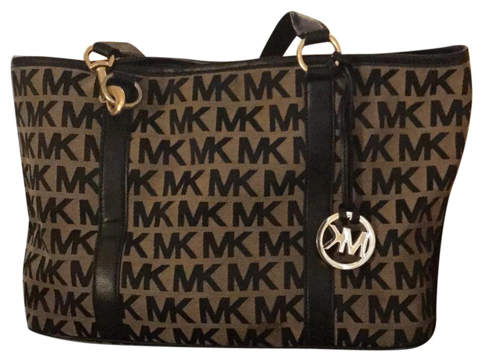 095cf6431b6d Michael Kors Jet Set Medium Snap Pocket Black Tote - Tradesy