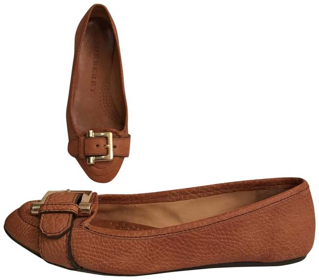 Item - Brown Gold Buckle Lightly Distressed Oil Rubbed Look Flats Size EU 38 (Approx. US 8) Regular (M, B)