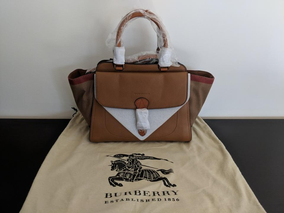 a4d8e2c1b8 Burberry Harcourt Brit Canvas Check Tote in Brown Image 11. 123456789101112
