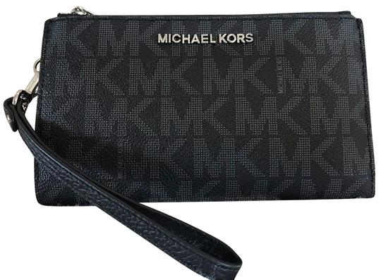 Preload https://img-static.tradesy.com/item/23382366/michael-kors-black-logo-jet-set-double-zip-smartphone-wristlet-wallet-0-1-540-540.jpg