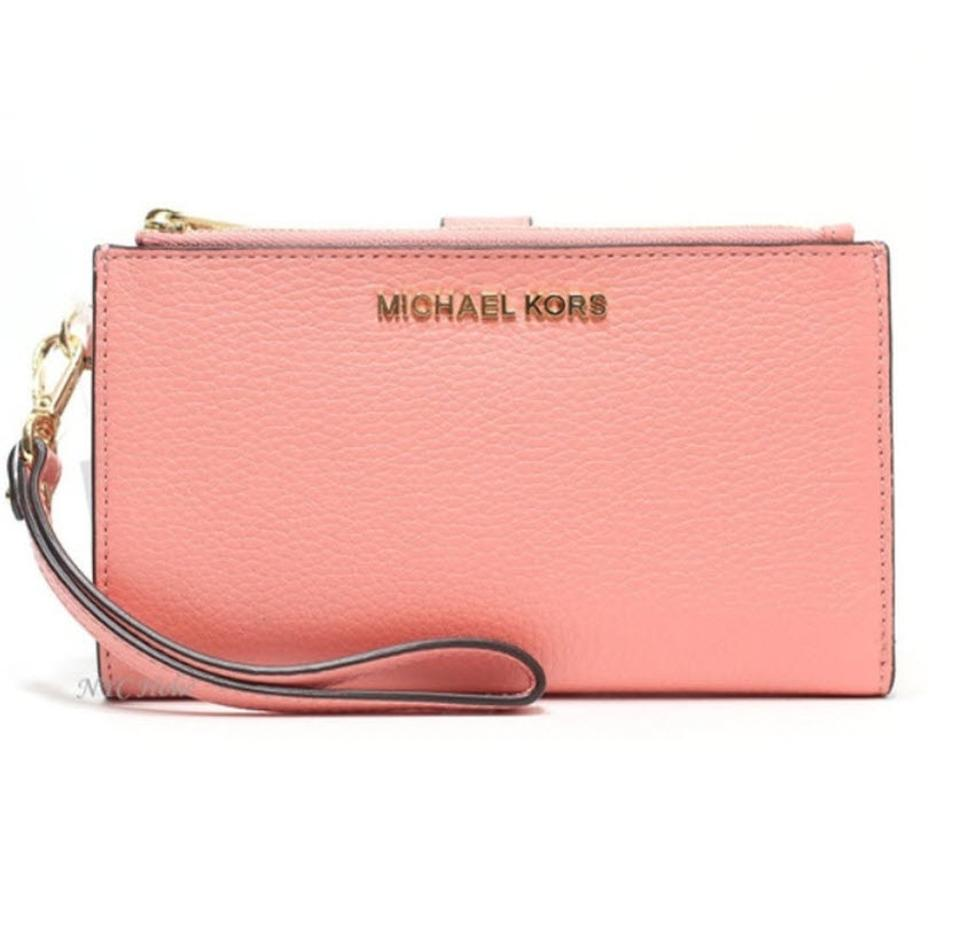 a3b1376993a0 Michael Kors Michael Kors Jet set double zip Leather Smartphone Wristlet  Wallet Image 0 ...