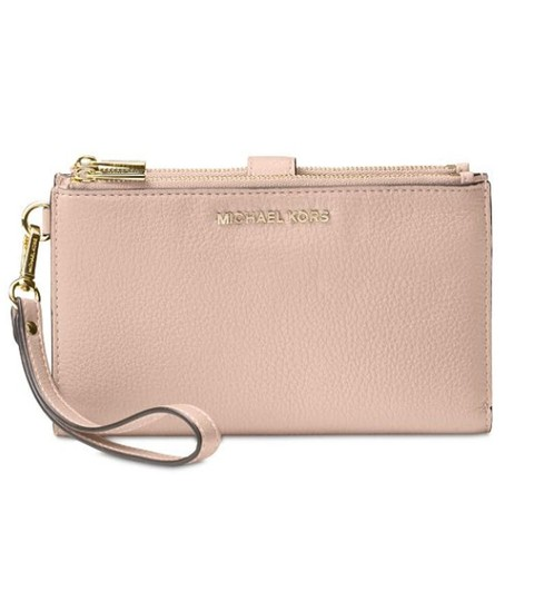 Preload https://img-static.tradesy.com/item/23382541/michael-kors-pink-jet-set-double-zip-leather-smartphone-wristlet-wallet-0-0-540-540.jpg