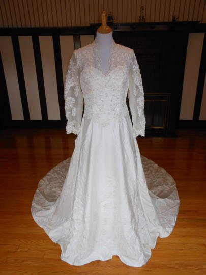 Preload https://img-static.tradesy.com/item/23382585/ivorysilver-d1312-destination-wedding-dress-size-14-l-0-0-540-540.jpg