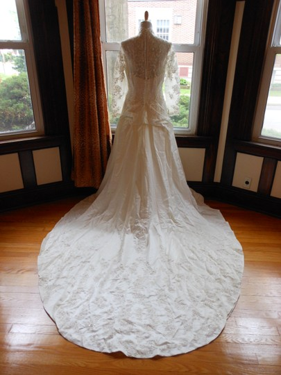 Ivory/Silver D1312 Destination Wedding Dress Size 14 (L)