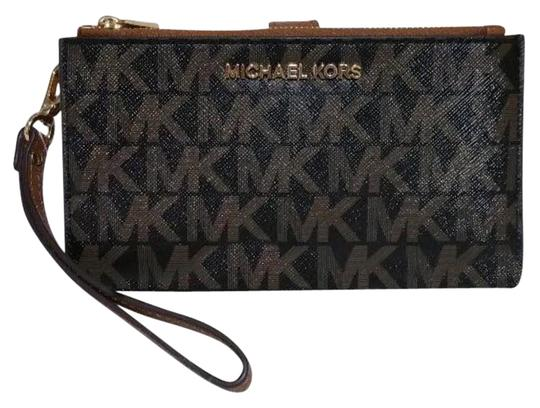 Preload https://img-static.tradesy.com/item/23382597/michael-kors-black-brown-jet-set-double-zip-logo-smartphone-wristlet-wallet-0-1-540-540.jpg