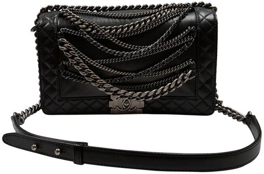 Preload https://img-static.tradesy.com/item/23382691/chanel-boy-enchained-black-leather-shoulder-bag-0-1-540-540.jpg