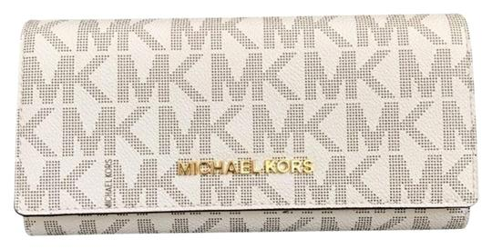 Preload https://img-static.tradesy.com/item/23382733/michael-kors-vanilla-pink-jet-set-carryall-leather-wallet-0-1-540-540.jpg