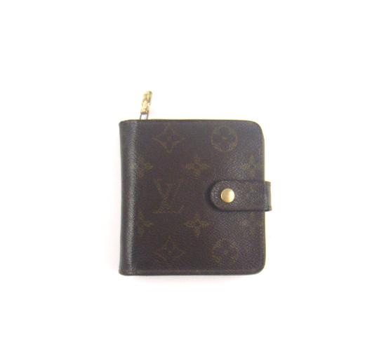 Preload https://img-static.tradesy.com/item/23382883/louis-vuitton-brown-zippy-compact-clutch-monogram-canvas-leather-wallet-0-0-540-540.jpg