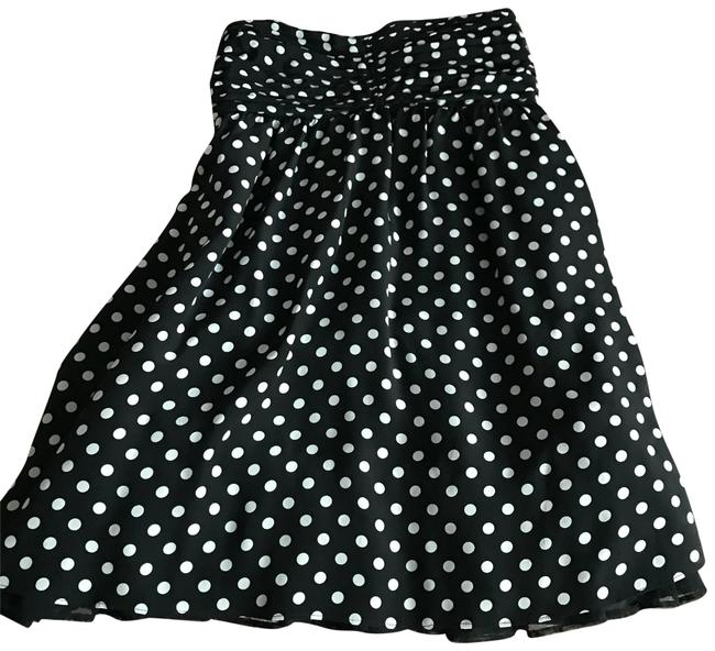 Preload https://img-static.tradesy.com/item/23382952/alice-olivia-blackwhite-polka-dots-short-cocktail-dress-size-8-m-0-1-650-650.jpg