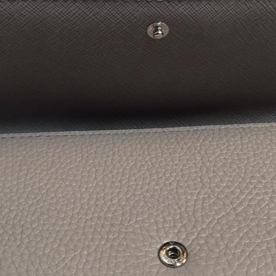 Michael Kors MK Fulton Flap Continental Pebbled Leather Wallet in Pearl Grey