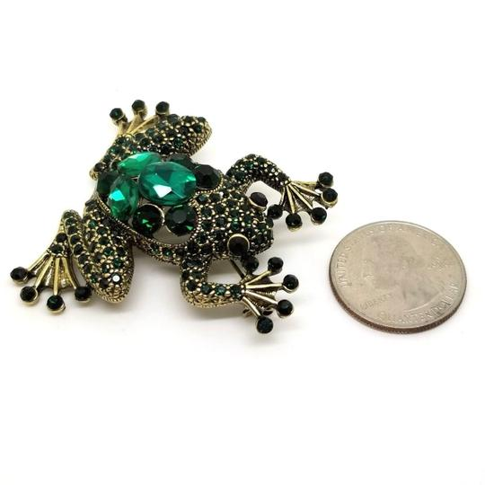 Elle Cross Antique Gold-tone Round Deep Green Oval Bright Green Crystal Frog Pin