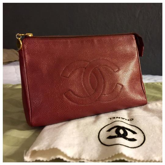 Preload https://img-static.tradesy.com/item/23383541/chanel-burgundy-cc-logo-caviar-skin-leather-porch-vintage-cosmetic-bag-0-2-540-540.jpg