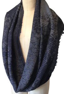 Collection Eighteen infinity scarf