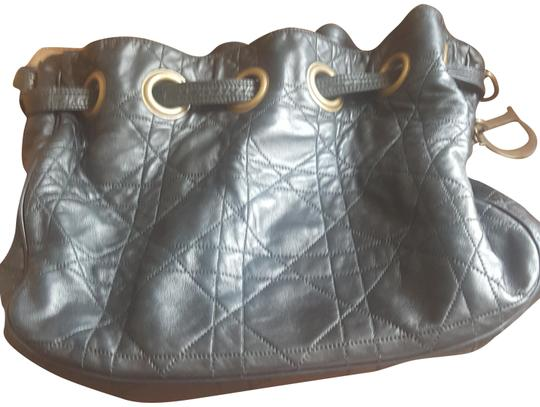 Preload https://img-static.tradesy.com/item/23383891/dior-quilted-cannage-medium-drawstring-black-lambskin-leather-tote-0-1-540-540.jpg