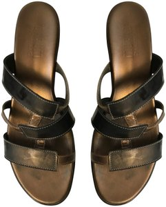 3e9501100b Munro American Rubber Bottom Slip On brown & bronze Sandals