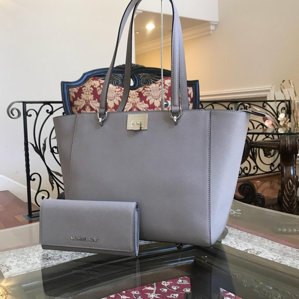 812ad3cc23837a Michael Kors Leather Satchel Black Tote in pearl grey Image 11.  123456789101112