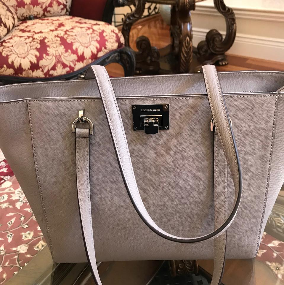 5ad299c8aa0a8f Michael Kors W 2pcs Tina Large Satchel Handbag Bundled W/Large Wallet Pearl  Grey Leather Tote - Tradesy