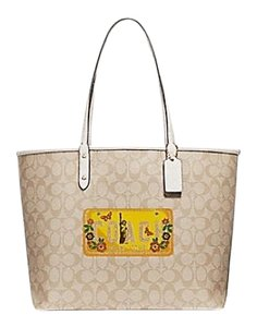 Coach Tote in Light Khaki Chalk Gold