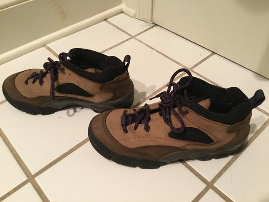Columbia Sportswear Company Leather Sneakers Lug Sole Brown/Purple Boots Image 4