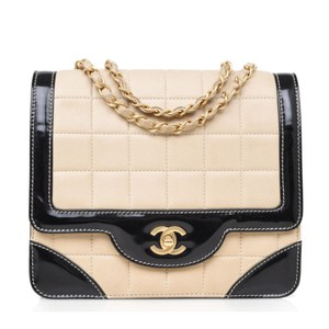 Chanel Vintage Lambskin Patent Leather Shoulder Bag