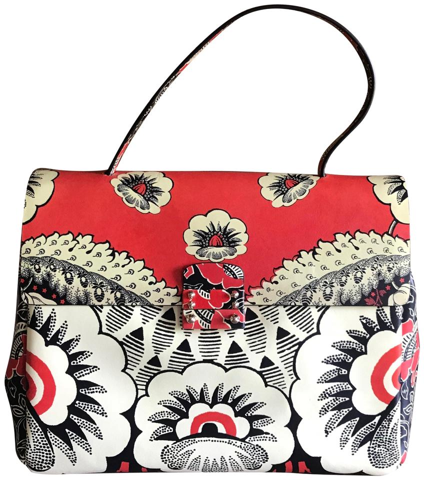 7395a4a672 Valentino Spring/Summer 2015 Mime Collection Red Leather Shoulder ...