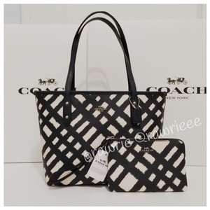 Coach Gift Box Set Gift Set Matching Set Set Tote in black white
