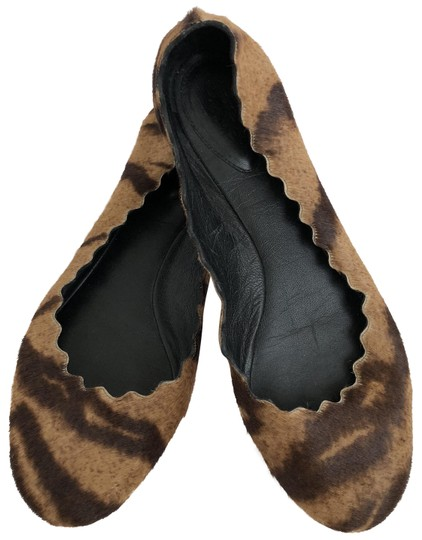 Preload https://img-static.tradesy.com/item/23391669/chloe-tan-brown-black-leopard-pony-hair-scalloped-flats-size-eu-37-approx-us-7-regular-m-b-0-1-540-540.jpg