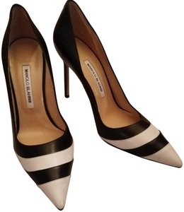 Manolo Blahnik Black white Pumps