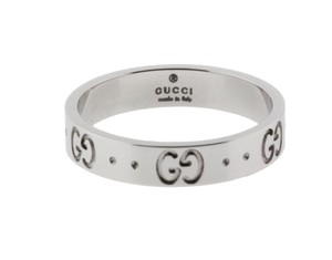 Gucci GUCCI Icon thin band ring in 18 karat white gold.