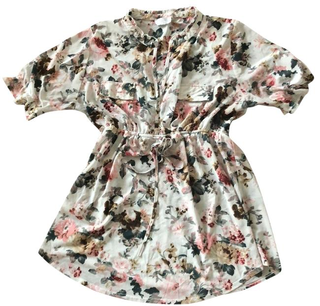Preload https://img-static.tradesy.com/item/23393165/flowered-watercolor-maternity-top-size-16-xl-plus-0x-0-1-650-650.jpg
