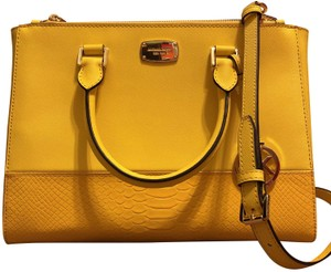 ce49813c9a2f Yellow Michael Kors Cross Body Bags - Over 70% off at Tradesy