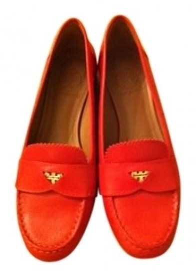 Preload https://item4.tradesy.com/images/tory-burch-red-leather-pennie-loafer-style-no-flats-size-us-65-regular-m-b-23398-0-0.jpg?width=440&height=440