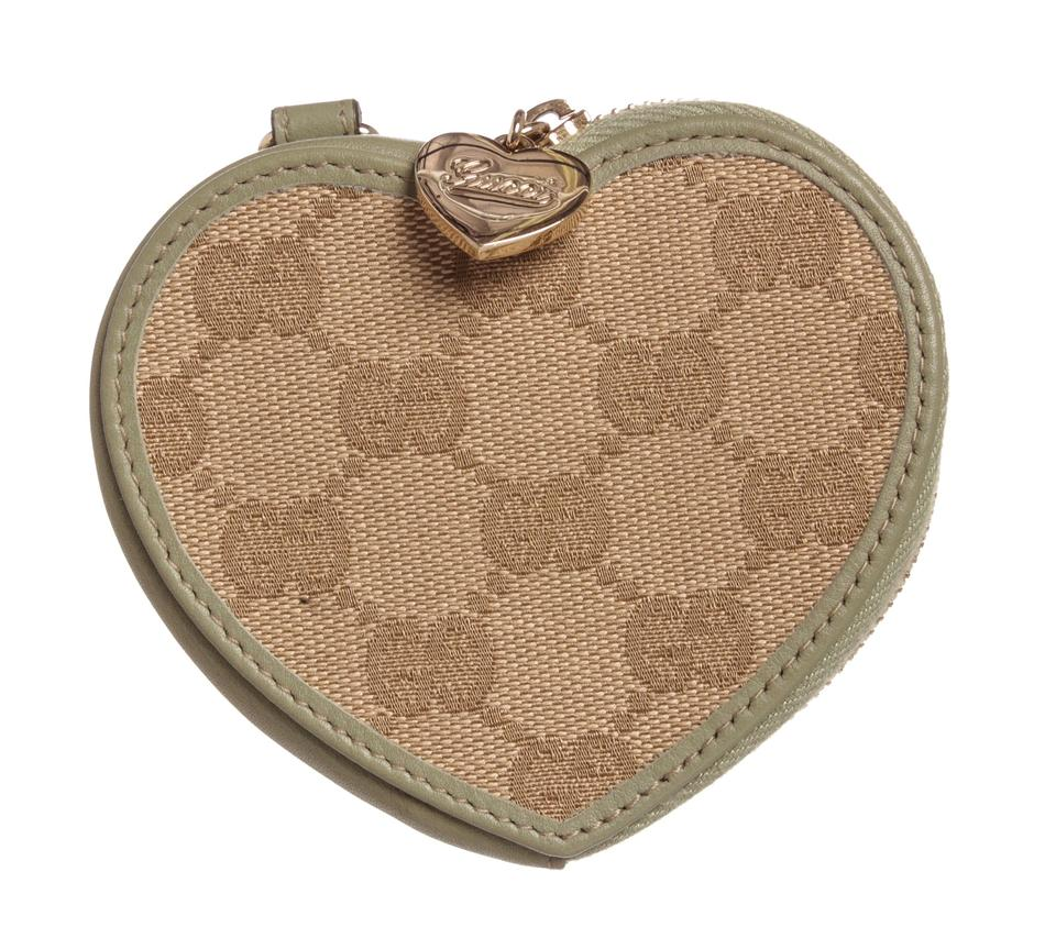 59cdadb7ec8f Gucci Gucci Beige Green Canvas Leather Heart Coin Purse Pouch Image 0 ...