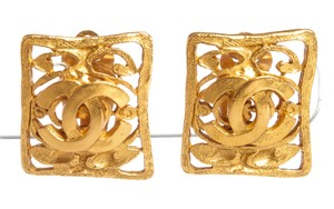 Chanel Chanel Gold CC Filigree Square Clip On Earrings 95A