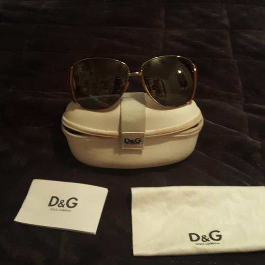 Preload https://img-static.tradesy.com/item/23403118/dolce-and-gabbana-dolce-and-gabbana-limited-edition-aviator-gold-and-red-sunglasses-0-0-540-540.jpg