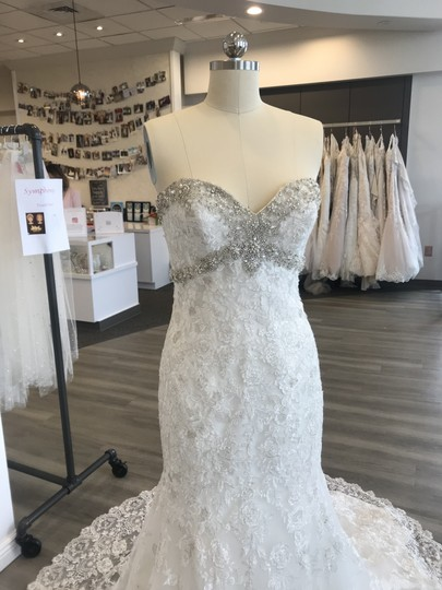 Allure Bridals Ivory/Silver Lace 9051 Feminine Wedding Dress Size 6 (S) Image 1