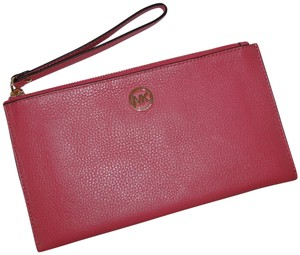 Michael Kors Clutch Leather Pink Pebbled Wristlet in Tulip