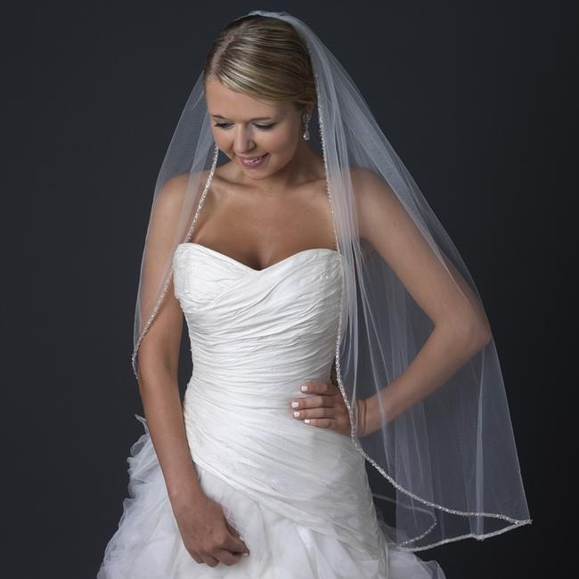 Item - Ivory Medium Single Layer Fingertip Length with Beaded Edge Bridal Veil