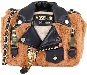 bffbbcb40af4 Brown Moschino Bags - Up to 90% off at Tradesy