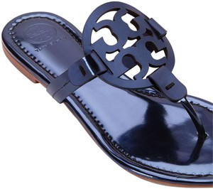 df44b4380f4f88 Tory Burch Miller Blue Logo Petroleo Sandals
