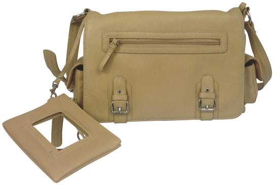 Preload https://img-static.tradesy.com/item/23405748/multi-compartment-tan-leather-shoulder-bag-0-1-540-540.jpg
