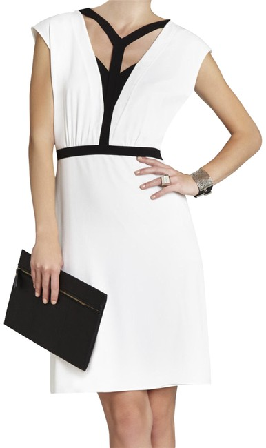 Preload https://img-static.tradesy.com/item/23405799/bcbgmaxazria-whiteblack-katryn-short-workoffice-dress-size-4-s-0-1-650-650.jpg