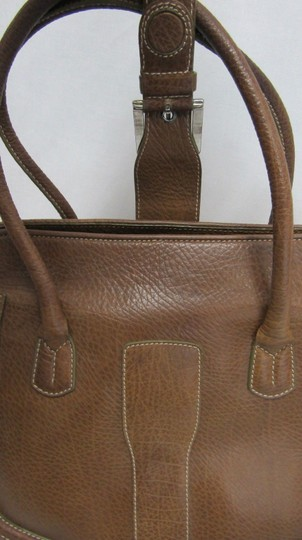 Tod's Leather Buckle Pebbled Satchel in brown Image 6