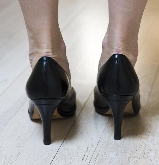 Cole Haan Collections Leather Square Toe Wood Heel Comfortable Sexy Black Pumps Image 2