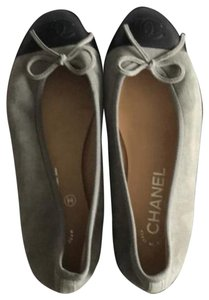 Chanel grey with black Flats