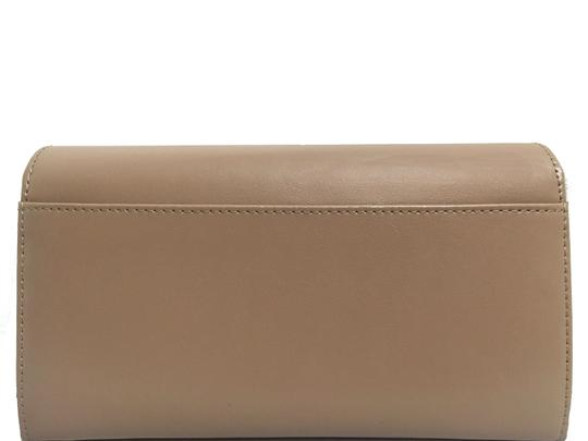 St. John St. John - Leather Compartment Wallet - Taupe Image 2