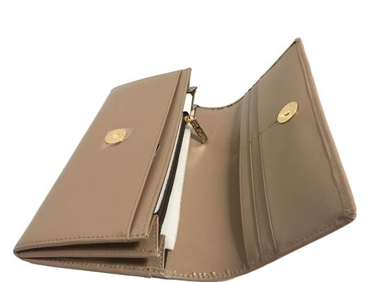 St. John St. John - Leather Compartment Wallet - Taupe Image 3