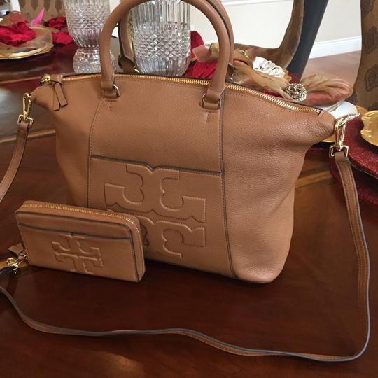 Tory Burch Bombe Set Of 2 Oc Leather To School Shoulder Bag Image 1