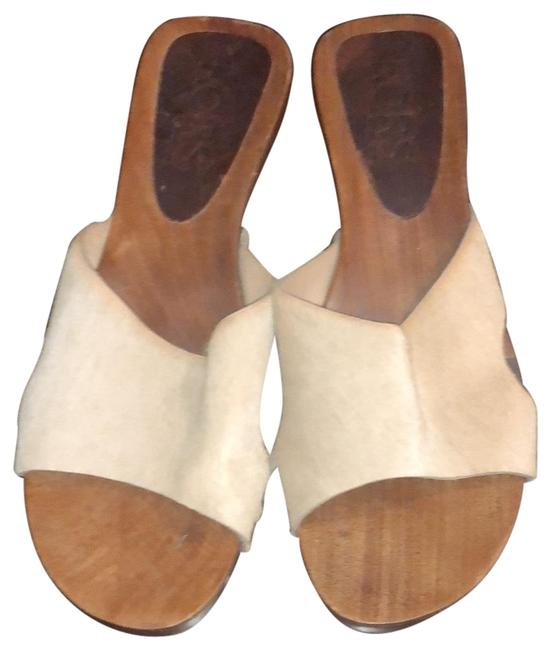 Item - Beige Mules/Slides Size US 7 Regular (M, B)